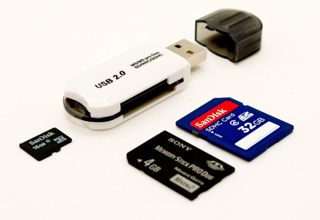 Memory Cards, Flash Drives & HDD